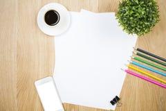 空白的paperand其他项目 免版税库存图片
