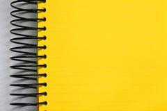 空白笔记本黄色 库存照片