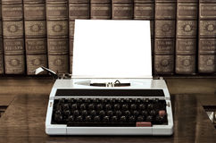 空白纸打字机 免版税库存照片