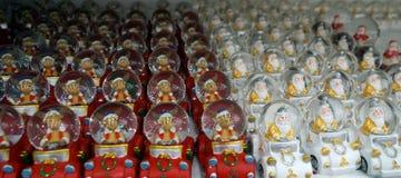 空白背景圣诞节玻璃查出的范围的玩具 库存图片