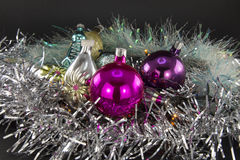 空白背景圣诞节玻璃查出的范围的玩具 免版税库存图片