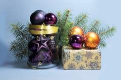 空白背景圣诞节玻璃查出的范围的玩具 库存照片