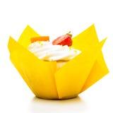 空白背景的杯形蛋糕 库存照片