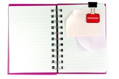 空白表面笔记本一个纸针白色whith 免版税库存图片