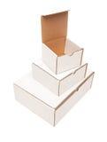 空白配件箱纸板被开张的栈顶部白色 库存照片