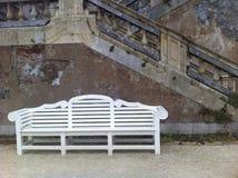 空白长凳 免版税库存照片