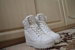 空白鞋子 免版税库存照片