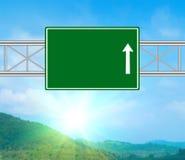 空白绿色路标 免版税库存照片