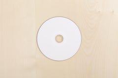 空白CD的木头 免版税库存照片