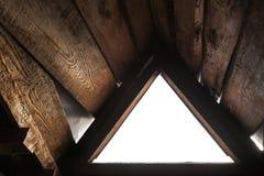 空的三角窗口有白色背景 免版税库存照片