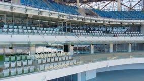 空的体育场供以座位行和入口 股票视频