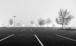 空的停车场在晚上 免版税库存照片