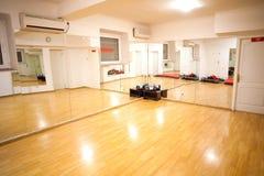 空的健身培训空间 免版税库存图片