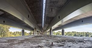 空的具体桥梁建筑全景 库存图片