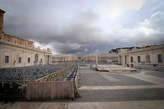 空的圣伯多禄的广场 免版税库存照片