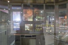 空的夏天镇在冬天晚上-土耳其 库存图片