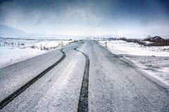 空的多雪的高速公路 库存图片