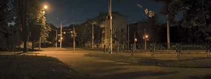 空的夜街道 库存照片