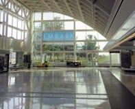 空的大厅在机场 免版税库存照片