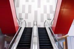 空的室内自动扶梯 免版税库存图片