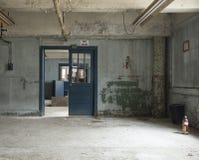 空的室在一家被放弃的工厂 图库摄影