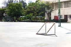 空的室外公开室外futsal法院 库存照片