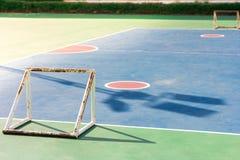 空的室外公开室外futsal法院 免版税库存图片