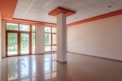 空的室,办公室,内部 现代大厦的招待会大厅 免版税库存图片
