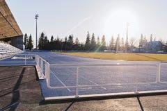 空的开放室外体育场看法在早晨 库存照片