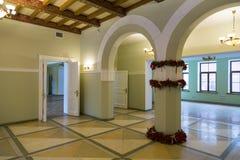 空的房间装饰仿照19世纪样式 免版税库存照片