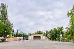 空的操场在阳关,甘肃,中国镇  图库摄影