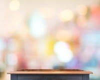 空的木台式有迷离商店背景,模板嘲笑 库存照片