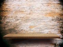 空的木架子表面,产品显示的柜台 免版税库存照片