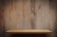 空的木架子表面,显示的架子柜台 库存照片