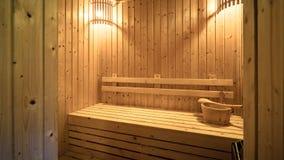 空的木蒸汽浴室内部背景  免版税库存图片