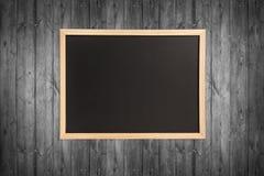 空的木黑板 库存图片