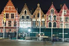 空的格罗特市场在布鲁日,比利时,在夏夜 免版税库存图片