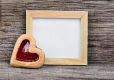 空的框架用心脏曲奇饼 免版税库存照片