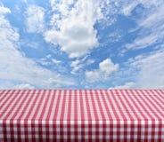 空的桌 免版税图库摄影