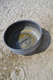 空的桶水 免版税库存照片