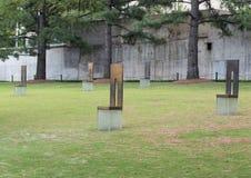 空的椅子的领域,俄克拉何马市纪念品 免版税库存照片