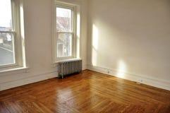 空的楼层硬木空间 免版税库存图片