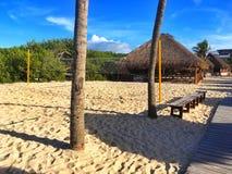 空的海滩的操场,墨西哥 免版税库存照片