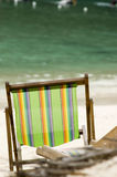 空的海滩睡椅 库存照片