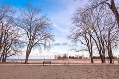 空的海滩在冬天 免版税库存图片