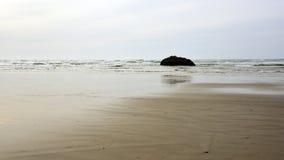 空的海滩处于低潮中 库存照片