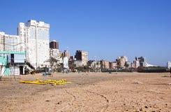 空的海滩清早视图在德班 库存照片