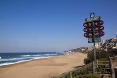 空的海滩看法在Umdloti,德班南非的 库存图片