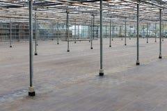 空的温室在等待室内植物的耕种的荷兰 图库摄影