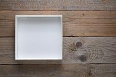 空的白色开放箱子 免版税库存图片